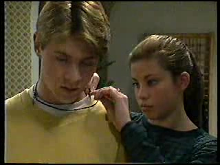 Lance Wilkinson, Anne Wilkinson in Neighbours Episode 2906