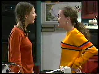 Hannah Martin, Debbie Martin in Neighbours Episode 2906