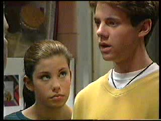 Anne Wilkinson, Lance Wilkinson in Neighbours Episode 2906