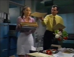 Sarah Beaumont, Karl Kennedy in Neighbours Episode 2968
