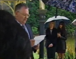 Harold Bishop, Ruth Wilkinson, Sarah Beaumont in Neighbours Episode 2968