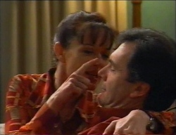 Susan Kennedy, Karl Kennedy in Neighbours Episode 2969