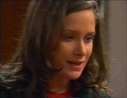 Caitlin Atkins in Neighbours Episode 2969