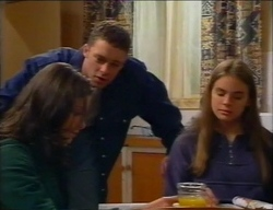Caitlin Atkins, Ben Atkins, Mandi Rodgers in Neighbours Episode 2970