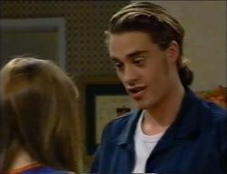 Anne Wilkinson, James Bowen in Neighbours Episode 2971