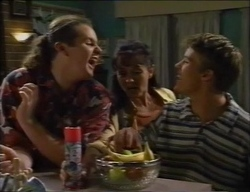 Toadie Rebecchi, Susan Kennedy, Billy Kennedy in Neighbours Episode 2971