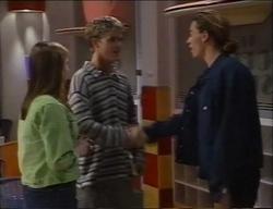 Anne Wilkinson, Billy Kennedy, James Bowen in Neighbours Episode 2971