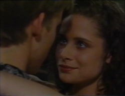 Billy Kennedy, Caitlin Atkins in Neighbours Episode 2971