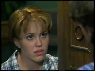 Libby Kennedy in Neighbours Episode 3044