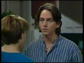 Libby Kennedy, Darren Stark in Neighbours Episode 3044