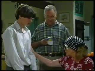 Paul McClain, Harold Bishop, Madge Bishop in Neighbours Episode 3044