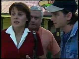 Shannon Jones, Lou Carpenter, Darren Stark in Neighbours Episode 3044