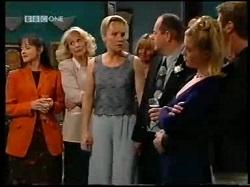 Susan Kennedy, Madge Bishop, Ruth Wilkinson, Philip Martin, Amy Greenwood, Lance Wilkinson in Neighbours Episode 3110