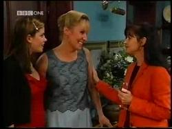 Anne Wilkinson, Ruth Wilkinson, Susan Kennedy in Neighbours Episode 3110
