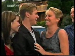 Anne Wilkinson, Lance Wilkinson, Ruth Wilkinson, Ben Atkins in Neighbours Episode 3110
