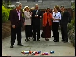 Lou Carpenter, Madge Bishop, Harold Bishop, Susan Kennedy, Hannah Martin, Michael Martin in Neighbours Episode 3110
