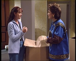 Susan Kennedy, Lyn Scully in Neighbours Episode 3419