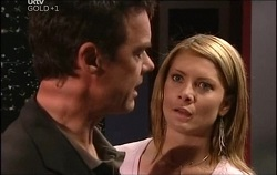 Paul Robinson, Izzy Hoyland in Neighbours Episode 4691