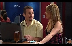 Toadie Rebecchi, Izzy Hoyland in Neighbours Episode 4977