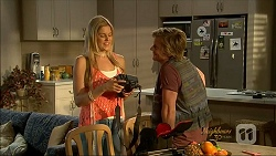 Amber Turner, Daniel Robinson in Neighbours Episode 7071