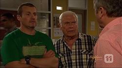 Toadie Rebecchi, Lou Carpenter, Karl Kennedy in Neighbours Episode 7074