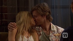 Amber Turner, Daniel Robinson in Neighbours Episode 7079