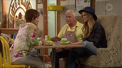 Susan Kennedy, Lou Carpenter, Nina Tucker in Neighbours Episode 7081
