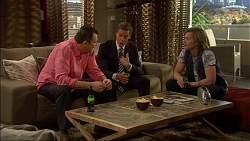 Des Clarke, Paul Robinson, Daniel Robinson in Neighbours Episode 7082
