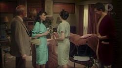 Mr. Kingham, Lorraine Kingham, Mrs. Kingham, Des Clarke in Neighbours Episode 7082