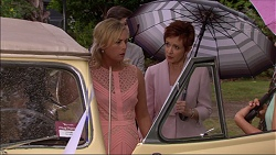 Lauren Turner, Susan Kennedy in Neighbours Episode 7084