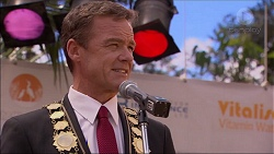 Paul Robinson in Neighbours Episode 7084