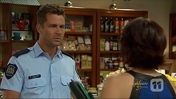 Mark Brennan, Naomi Canning in Neighbours Episode 7086