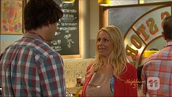 Chris Pappas, Lucy Robinson in Neighbours Episode 7088