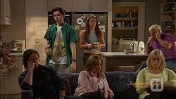 Brad Willis, Bailey Turner, Paige Novak, Terese Willis, Lou Carpenter, Lauren Turner in Neighbours Episode 7089