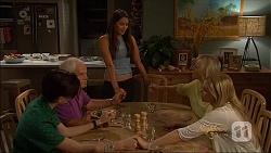 Bailey Turner, Lou Carpenter, Paige Novak, Lauren Turner, Amber Turner in Neighbours Episode 7089