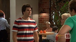 Chris Pappas, Sheila Canning, Kyle Canning in Neighbours Episode 7090