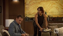 Paul Robinson, Naomi Canning in Neighbours Episode 7091