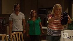 Brad Willis, Terese Willis, Lauren Turner in Neighbours Episode 7094