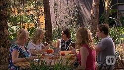 Sheila Canning, Georgia Brooks, Naomi Canning, Sharon Canning, Kyle Canning in Neighbours Episode 7094