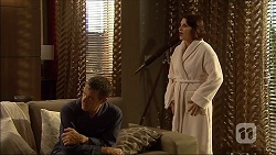 Paul Robinson, Naomi Canning in Neighbours Episode 7094