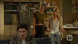Bailey Turner, Paige Novak, Amber Turner in Neighbours Episode 7097