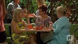 Georgia Brooks, Susan Kennedy, Sheila Canning in Neighbours Episode 7100
