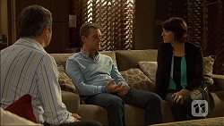 Karl Kennedy, Paul Robinson, Naomi Canning in Neighbours Episode 7104