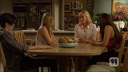 Bailey Turner, Amber Turner, Lauren Turner, Paige Novak in Neighbours Episode 7105