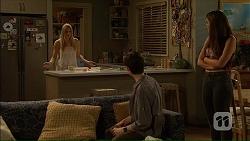 Amber Turner, Bailey Turner, Paige Novak in Neighbours Episode 7105
