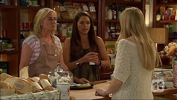 Lauren Turner, Paige Novak, Amber Turner in Neighbours Episode 7106