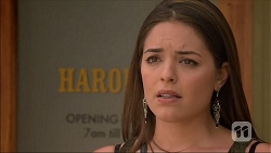 Paige Novak in Neighbours Episode 7106