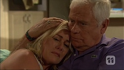 Lauren Turner, Lou Carpenter in Neighbours Episode 7108
