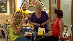 Georgia Brooks, Sheila Canning, Naomi Canning in Neighbours Episode 7108