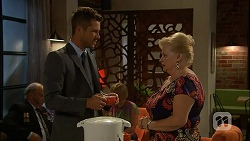 Mark Brennan, Sheila Canning in Neighbours Episode 7110
